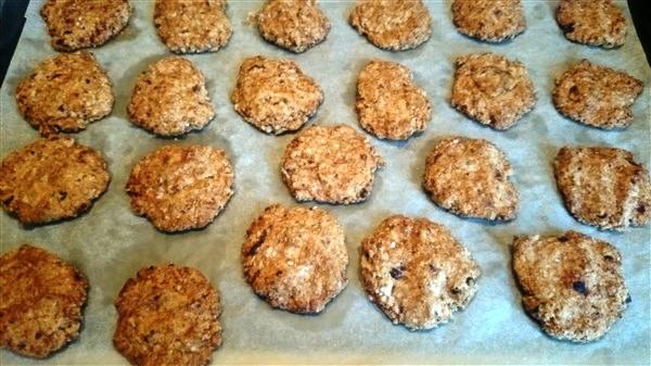 выпекаем овсяное печенье в духовке